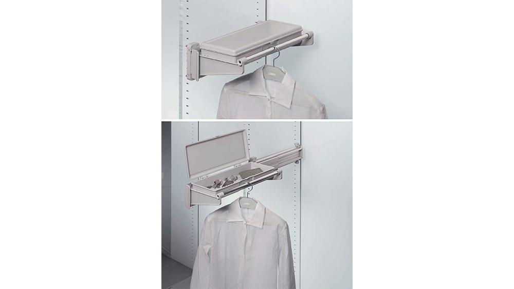 Porte jacket-vide poches latéral